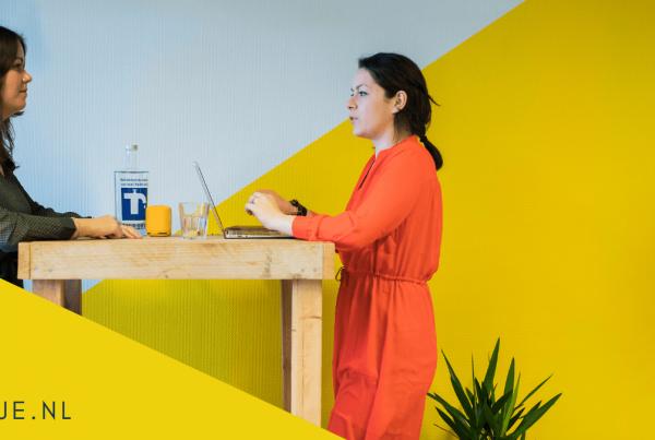 Met pakkende teksten die jouw bedrijfsidentiteit vertalen werf je heel het jaar door nieuw personeel. Maak het af met een vlijmscherpe vacaturetekst.